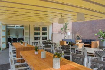 Binnentuin---restaurant-kiewiet